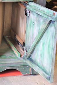 9945-04 Cabinetcrop
