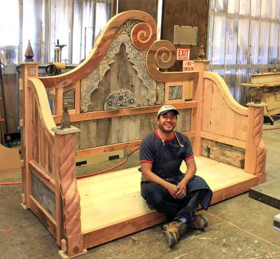11 Elio-in-Wood-Shop