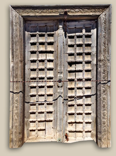 10490-Antique Door with Surround
